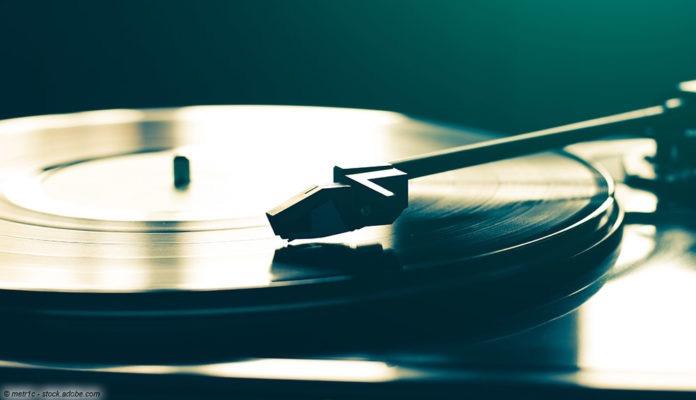 schallplatte plattenspieler © metr1c - stock.adobe.com