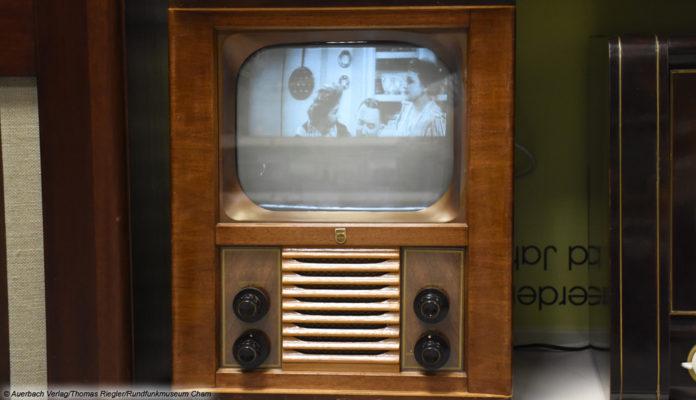 historischer Fernsehen © Auerbach Verlag/Thomas Riegler/Rundfunkmuseum Cham