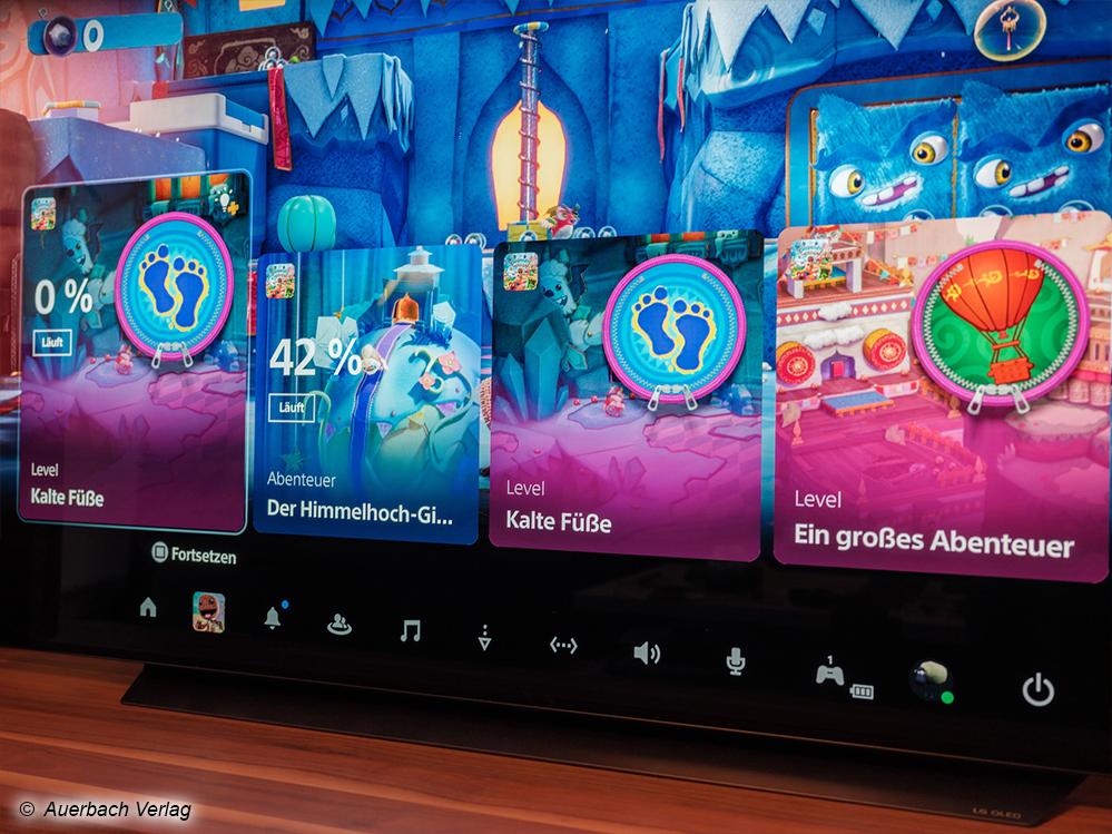 Drücken Sie mitten im Spiel die Playstation-Taste, erblicken Sie eine neue Benutzeroberfläche, um zu einzelnen Punkten im Spiel springen, oder Video-Web-Hilfen einblenden zu können. Am unteren Rand finden Sie eine Schnellauswahl für wichtige PS5-Funktionen