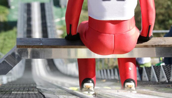 Skispringer auf Schanze