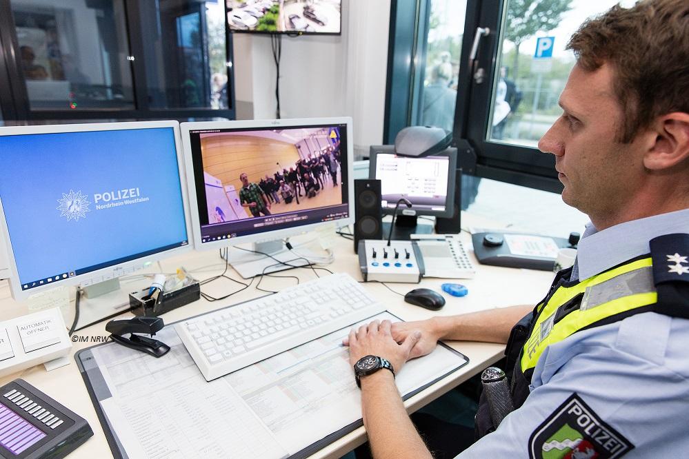 Polizei Schaltzentrale Bodycam Notruf-App