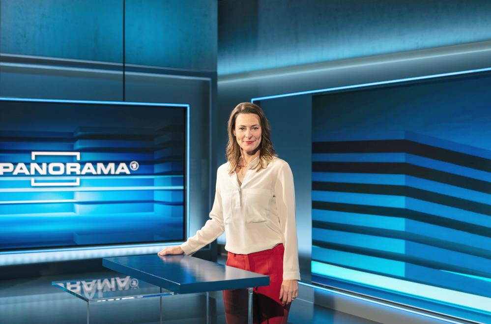 Anja Reschke im Panorama-Studio © NDR/Hendrik Lüders