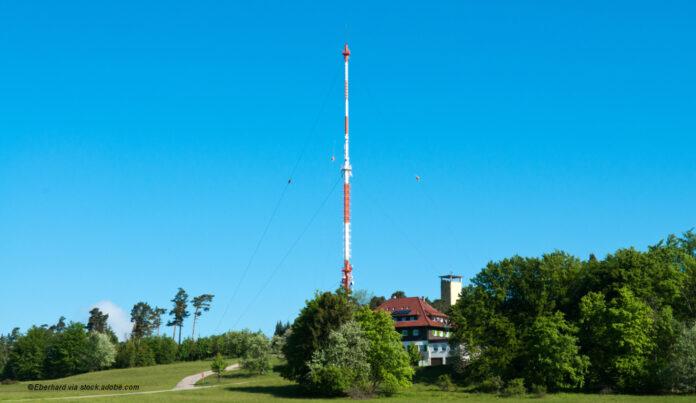 Sendemast UKW-Radio ©Eberhard via stock.adobe.com