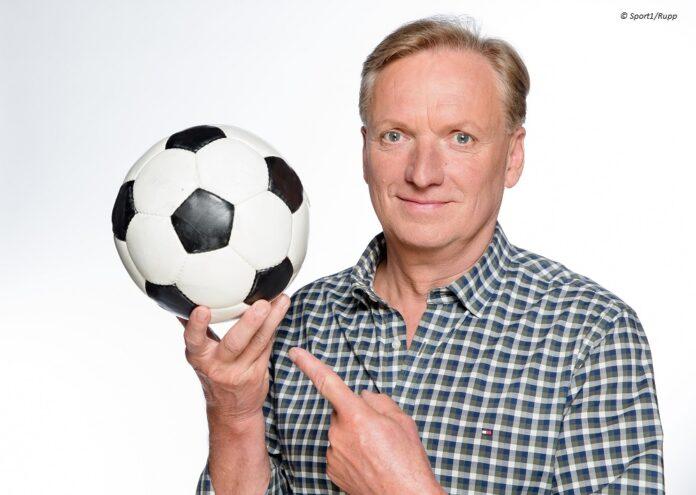 Kult-Moderator Rudi Brückner © Sport1/Rupp
