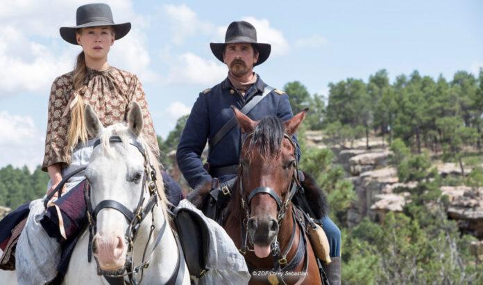 Christian Bale zu Pferd © ZDF/Lorey Sebastian